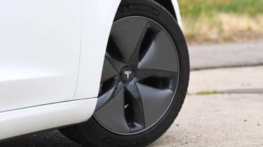 2019 Tesla Model 3 - wheel