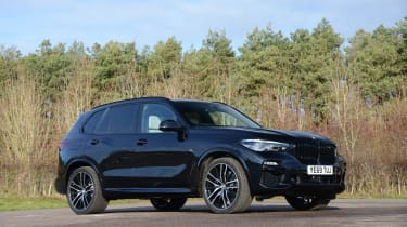 BMW X5 xDrive45e SUV front 3/4 static