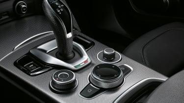 Alfa Romeo Stelvio SUV centre console
