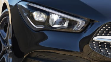 Mercedes CLA Shooting Brake headlight