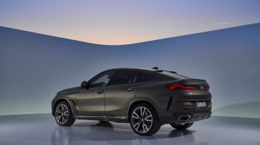 2019 BMW X6 - rear quarter studio