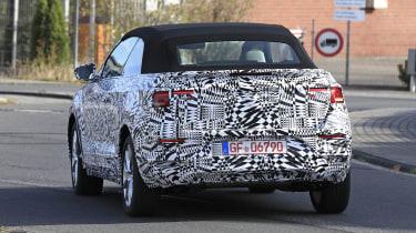 2020 Volkswagen T-Roc prototype on test: credit: Automedia