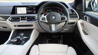 New BMW X6 2020 - interior full dashboard view