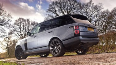 2020 Range Rover Vogue P400 - Static rear 3/4