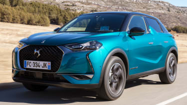 DS 3 Crossback 2019 front quarter tracking