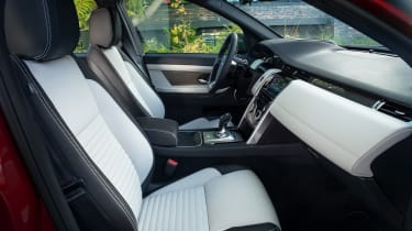 Facelifted Land Rover Discovery Sport - interior