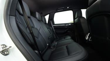 Porsche Cayenne Turbo S E-Hybrid - rear seats