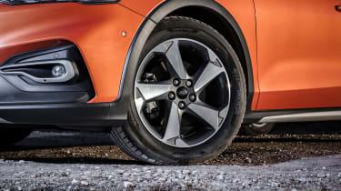 Ford Focus Active hatchback wheel