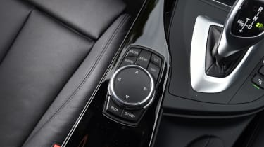 The iDrive infotainment system is controlled via this rotary dial on the centre console