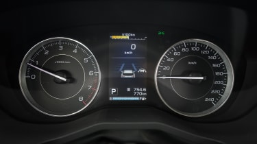 Instrumentation is clear and the central screen offers additional driving information