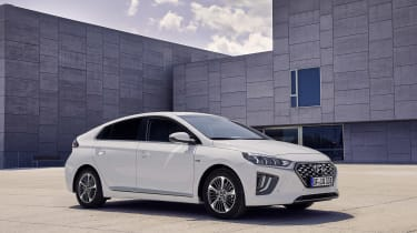 Hyundai Ioniq Plug-in Hybrid front/side view