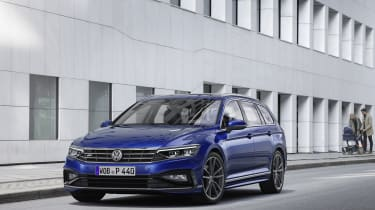 2019 Volkswagen Passat three quarter front static