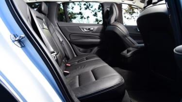 Volvo V60 Cross Country - rear seat