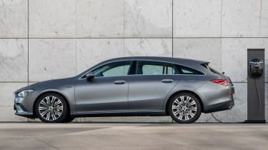 Mercedes CLA and GLA plug-ins - CLA Shooting Brake side static
