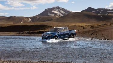 2019 Nissan Navara - front view river crossing