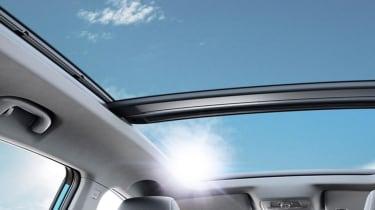 MG eZS - panoramic sunroof