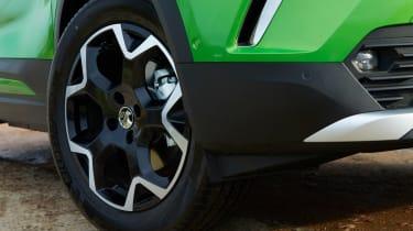 Vauxhall Mokka-e alloy wheel