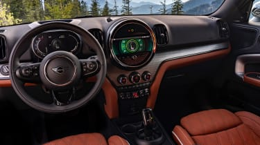 Facelifted 2020 MINI Countryman Cooper S - interior