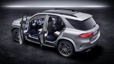 2019 Mercedes GLE open doors