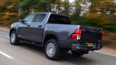 Toyota Hilux pickup rear 3/4 tracking
