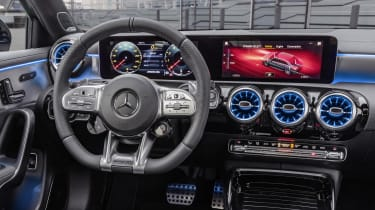Mercedes-AMG A 35 Saloon dash