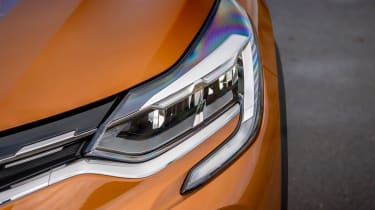Renault Captur SUV headlights