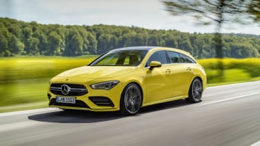 Mercedes-AMG CLA 35 Shooting Brake - front 3/4 dynamic