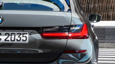 2019 BMW 3 Series Touring - rear tail lights