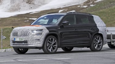 Skoda Kodiaq spy shot front-side view