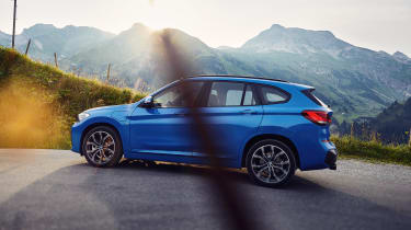 2019 BMW X1 SUV xDrive25e - side on view static