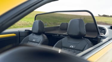 Volkswagen T-Roc Cabriolet wind deflector