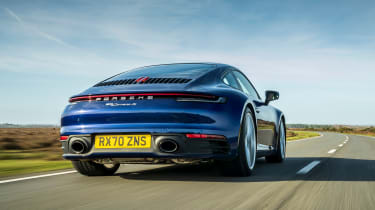 Porsche 911 coupe rear tracking