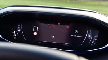 Peugeot 5008 SUV instrument navigation