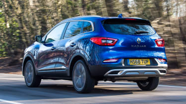Renault Kadjar driving - rear view