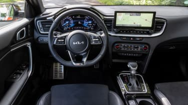 Kia Ceeed facelift drive interior