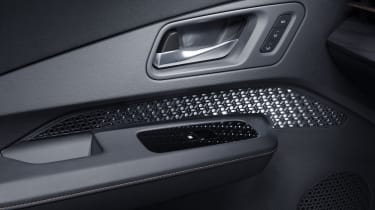 Nissan Ariya interior lighting