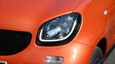 All Smart ForFours come with LED daytime running lights as standard.