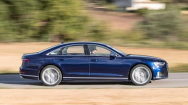 Audi S8 saloon side panning