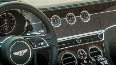 Bentley Continental GT Convertible steering wheel