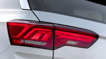 Volkswagen T-Roc SE tail-light
