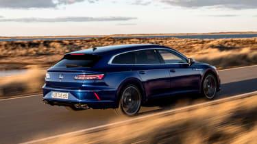 2021 Volkswagen Arteon R Shooting Brake - rear 3/4 dynamic