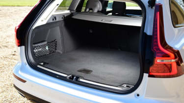 Volvo V60 Cross Country - boot