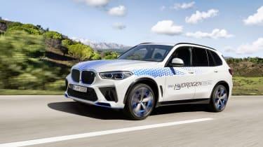 BMW iX5 Hydrogen - front 3/4 dynamic (left)