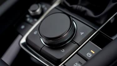 Mazda3 Fastback saloon centre console