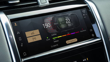2020 Land Rover Discovery Sport screen - particulate filter display