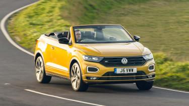 Volkswagen T-Roc Cabriolet driving - front view