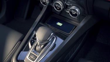 2021 Renault Arkana SUV gear lever