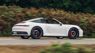 Porsche 911 Targa side panning