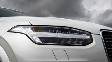 Volvo XC90 Recharge headlight