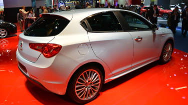 Alfa Romeo Giulietta 2014 rear quarter static